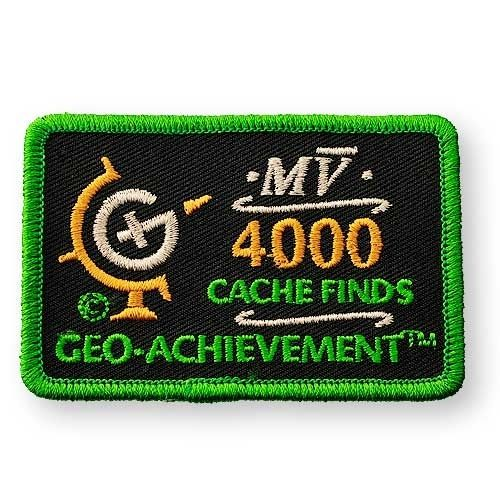 4000 Finds Geo-Achievement® -hihamerkki