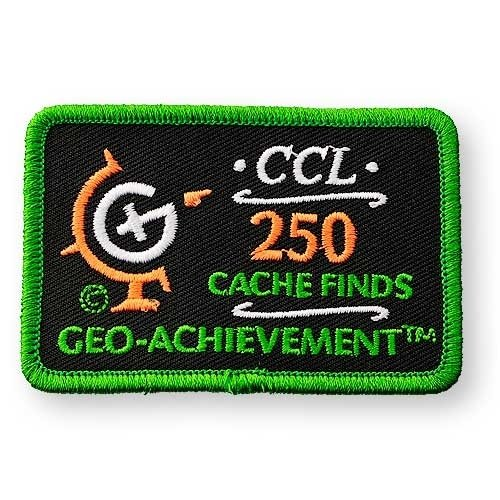 250 Finds Geo-Achievement® -hihamerkki