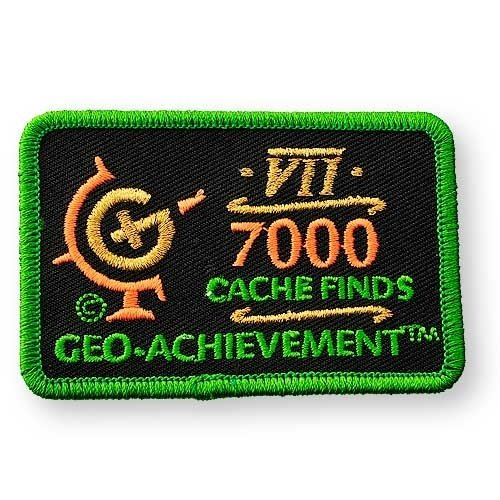 7000 Finds Geo-Achievement® -hihamerkki