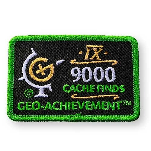 9000 Finds Geo-Achievement® -hihamerkki