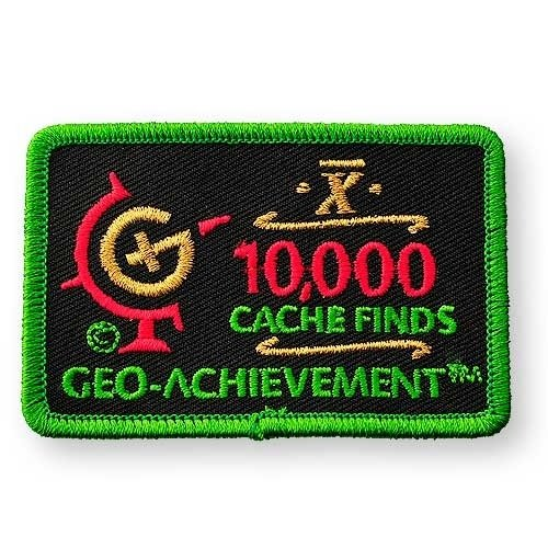 10000 Finds Geo-Achievement® -hihamerkki